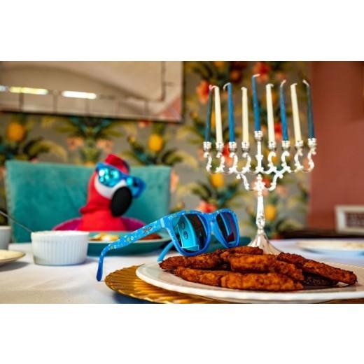 "Goodr Løbe Solbriller ""Hanukkah Matata: It Means All Kosher""-01"